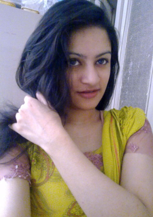 hdcwhatsapp:  Hot Desi Girl Naked Selfies ❤️❤️  Niice