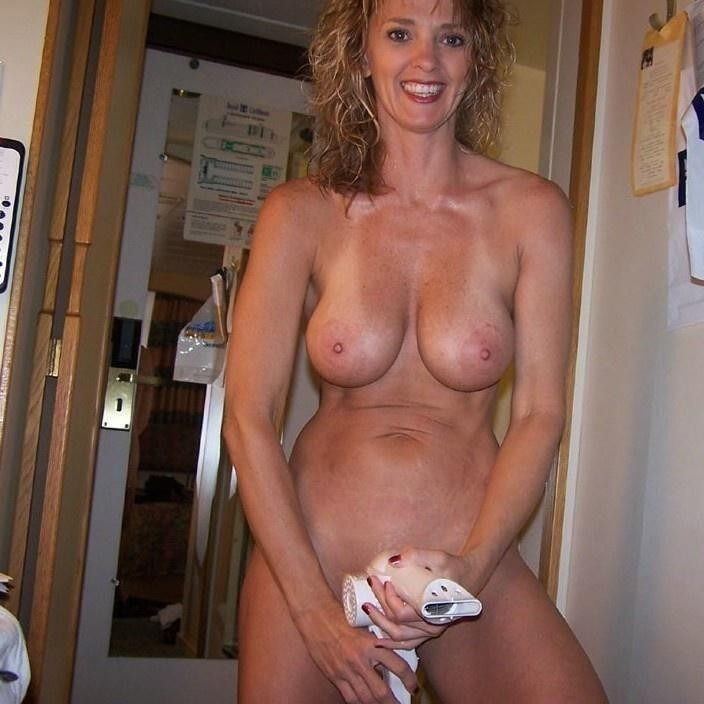 amateur mature nudity tumblr