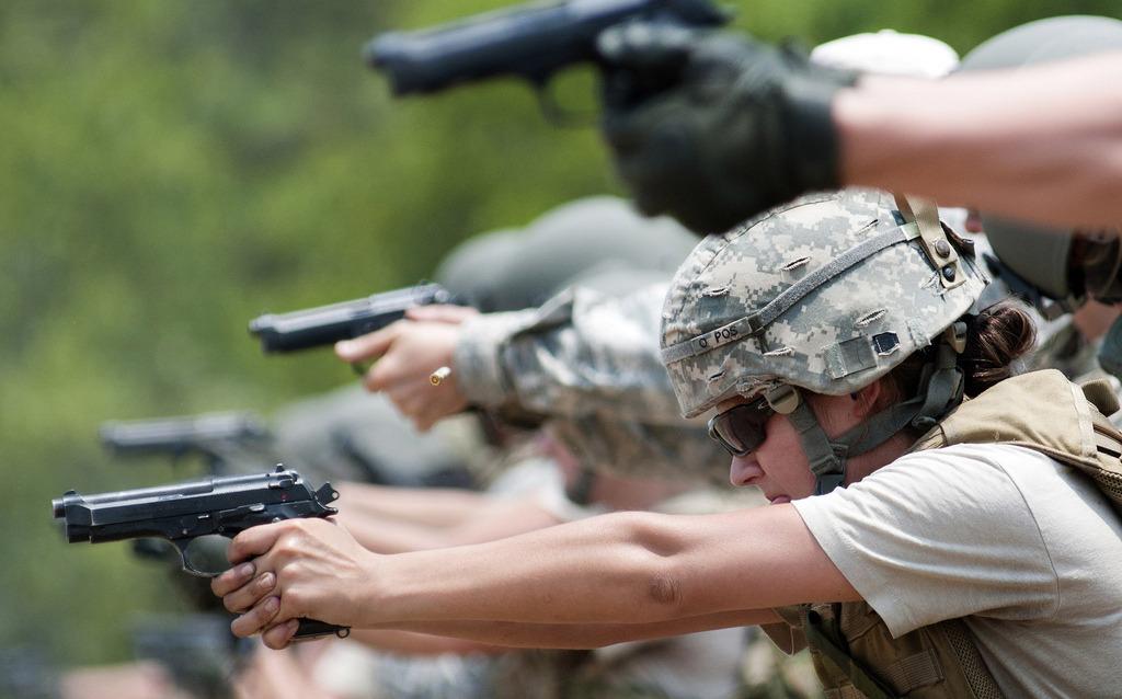 Opératrices du CSP à l'entraînement, 2010 (Image U.S. Army).