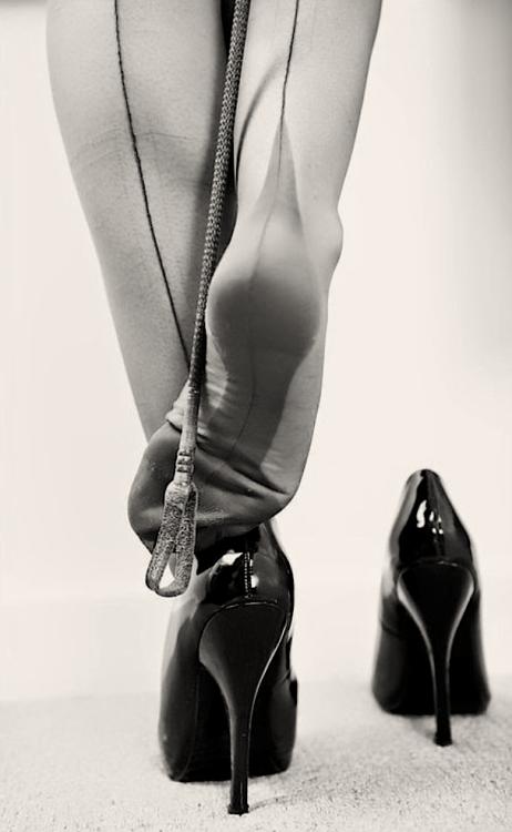 beautifulsecrets42:</p> <p>Misstress waiting… oh oh…