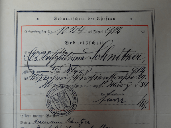 mangia minga // 'A German Stammbuch - browsing through family history'