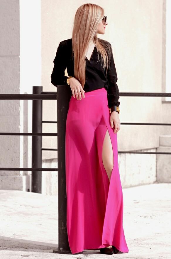 Black Silk, Pink Silk<br /><br /><br /><br /><br /><br /><br /><br /><br /> Shirt: Torannce   Skirt: Torannce   Shoes: Saint Laurent 'Thorn' pumps   Sunglasses: Prada (more colors here and here)   Bracelets: Hermés 'Collier de Chien', The Peach Box<br /><br /><br /><br /><br /><br /><br /><br /><br /> Oh My Vogue