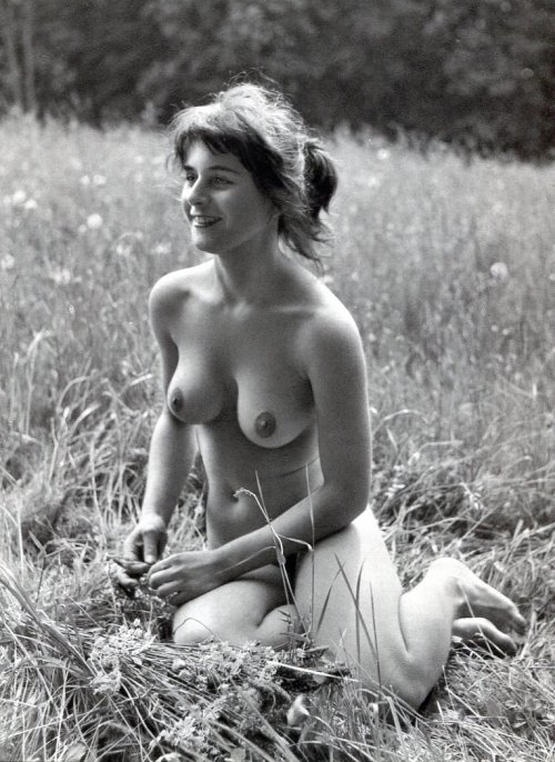 fragrantblossoms:  Dr Werner Loges - Nude in Nature  Stunning