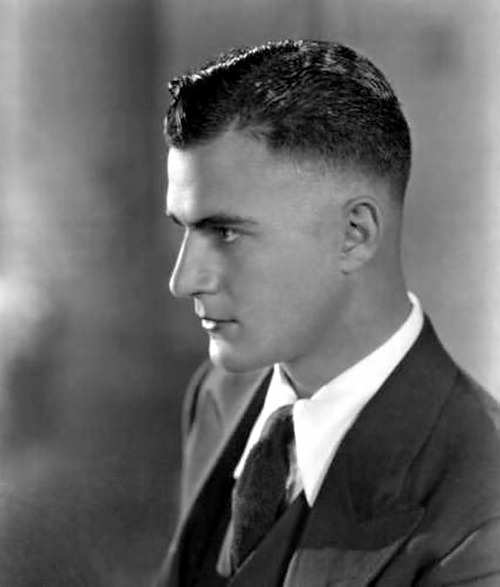 wehadfacesthen:Gilbert Roland originally intended to become a bullfighter in his native Chihuahua, Mexico, but instead he went to Hollywood and became a movie star. His first film, The Hunchback of Notre Dame, was in 1923, his last - 60 years later - was the Willie Nelson film Barbarosa in 1982.