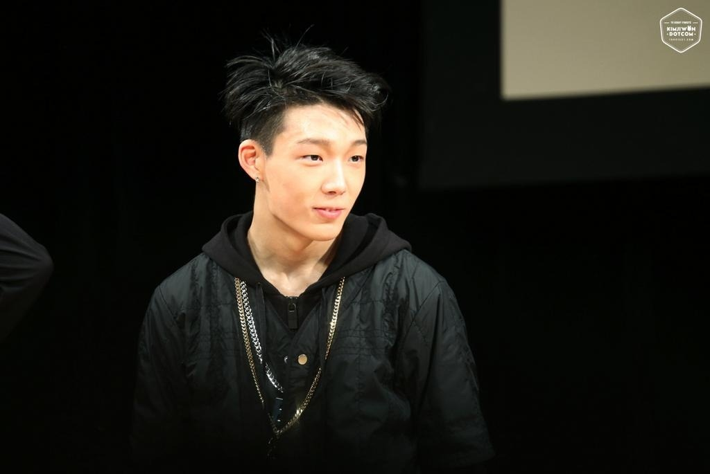 """I Lost Respect For Bobby"", Netizens Make fun & Bash Bobby After Interview ""Explaining what Hip Hop Is""<br /> [[MORE]]During a recent interview, Bobby explained what hip hop was to him, <br /> And this is the quote that netizens are bashing.<br /> ""Hip-hop isn't just music; it has a culture. Like when you're simply hanging out with your friends and high-five each other, that's hip-hop. For example, waking up in the morning and going to school without showering, that's hip-hop too.""<br /> ——<br /> Here are the Netizen reactions:<br /> ""LMAAAAAOOOOO NO HE DDDIIIIINNNNDDNNT OMFG man you know what im done, im done, i didn't like him before now im just…im just done.<br /> ""Did he just fucking say high five your friends though. ""<br /> ""i cannot stop laughing. I can't. please someone please help me someone. I can't stop laughing.<br /> ""going to school without showering. k.""<br /> ""He just became the fakest person in the game, i lost every ounce of respect for him""<br /> ""They ask you about hip hop…  and that's what you say.""<br /> ""he didn't say this, this can't be what he said, this has to be some kind of joke. please tell me this is a troll who posted this.""<br /> ""was this a mistranslation?""<br /> ""I can't take any of his raps seriously anymore after this"""