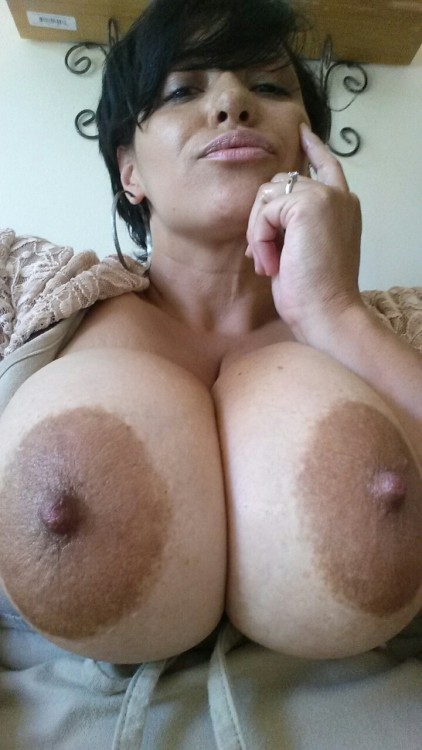 Milfs with big areolas porn images