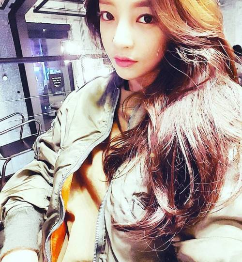 girl and fashion,Korean Girls,Korean,Model,Dream Girls,Korean Model,Korean Girl,korea, beautiful,Pop idol,Goo Hara (Former Kara),Goo Hara,Former Kara,