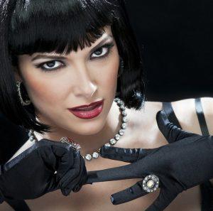 Denise Quiñones es Velma Kelly