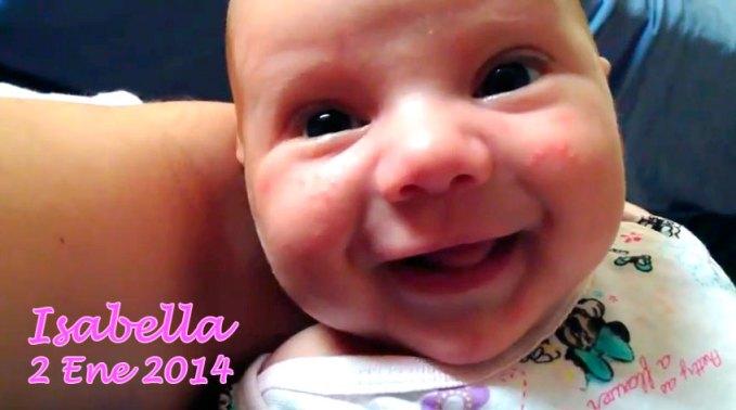 ¡Isabella sonríe!