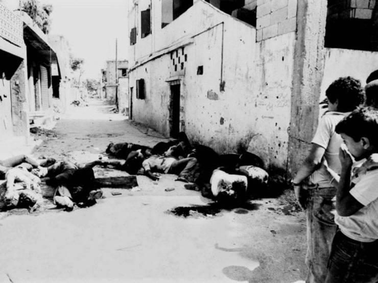 Cuerpos sin vida en Sabra y Shatila
