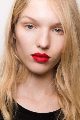 hbz-makeup-trends-2017-bold-lip-katrantzou-bks-m-rs17-1024_1