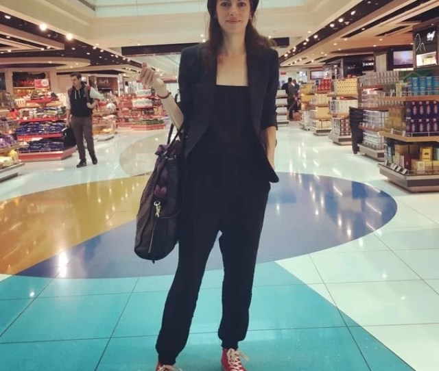 Modern Nomad Chic Travel Outfit Joyjournist  Style
