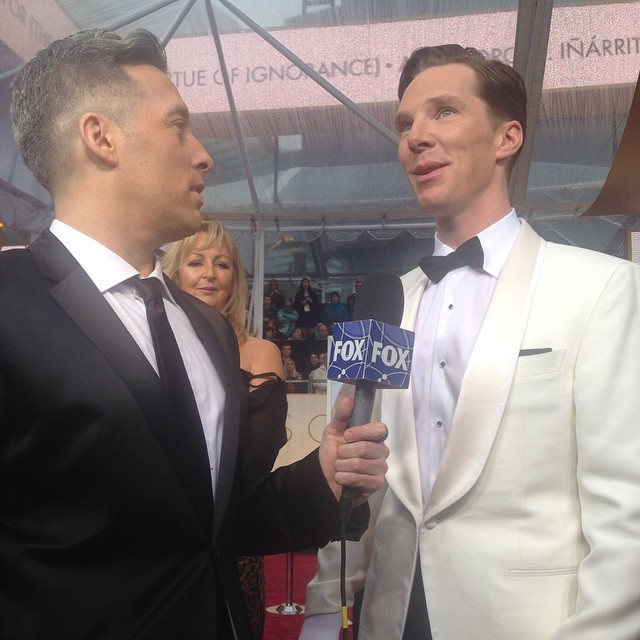 foxlightmichael Love the white jacket, and one of my fave movies of the bunch #ImitationGame #BenedictCumberbatch #tbt #Oscars2015 #RedCarpet