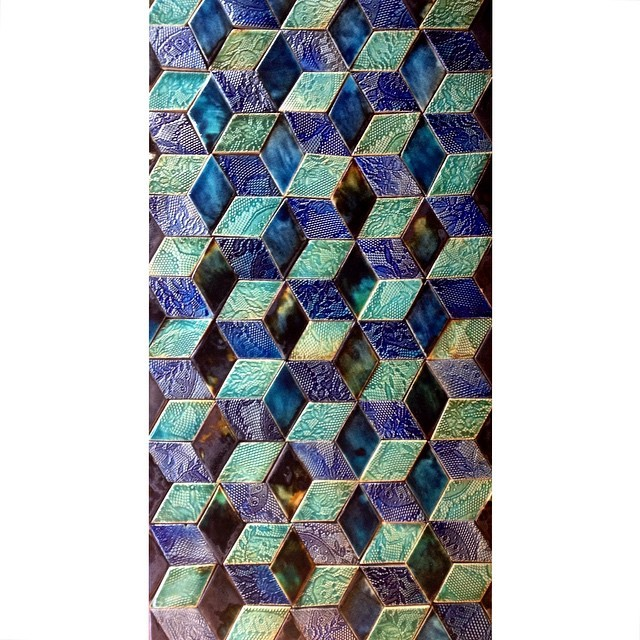 #tiletuesday #geometric #pattern #shapes #triangles #diamonds #cubes #blues #black #greens #handmadetiles #coffeetable #interior #decor #architect #architecture #design #wall #house #home #palace repetition #homeware #stoneware #luxury #decadent #beautiful