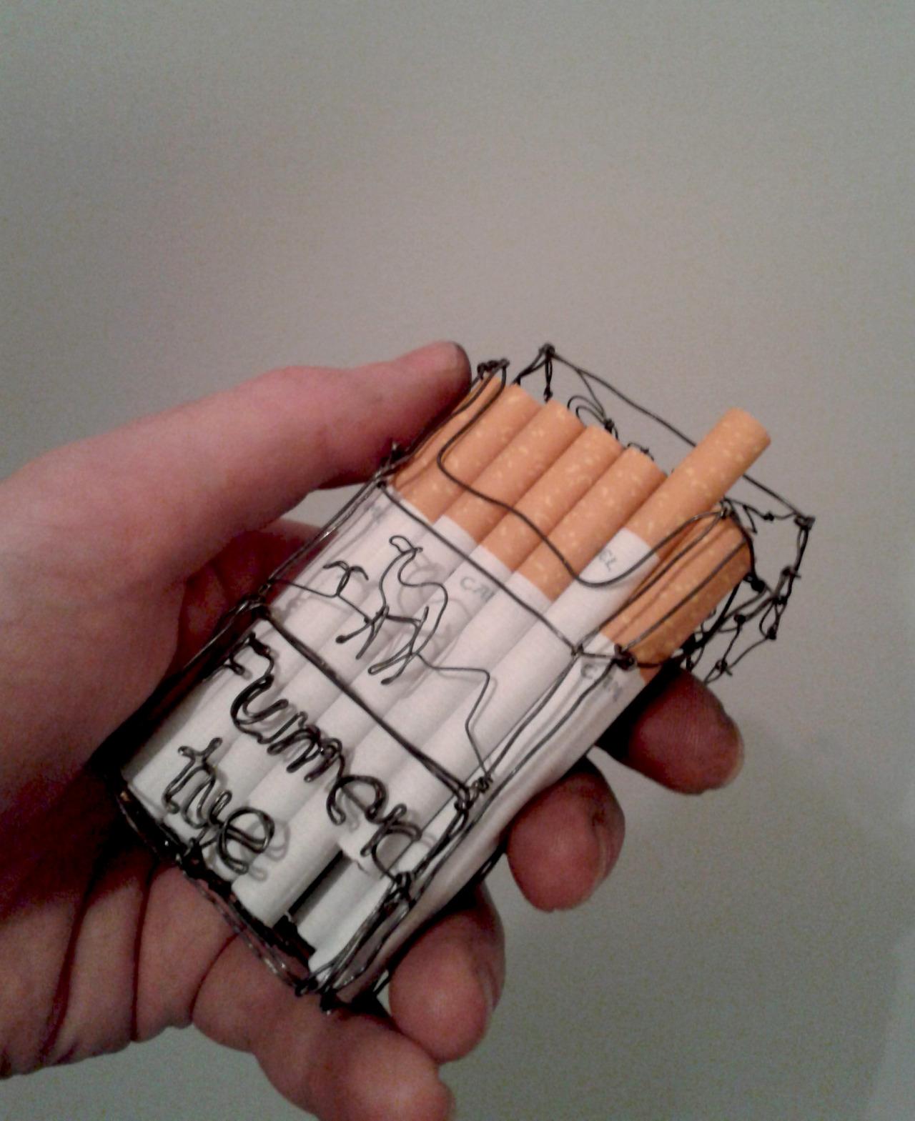 Paquet de cigarette<br /> Fil de fer recuit<br /> 2014