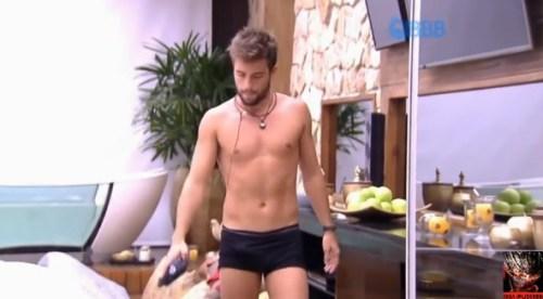 Rafael do BBB15 com pênis ereto