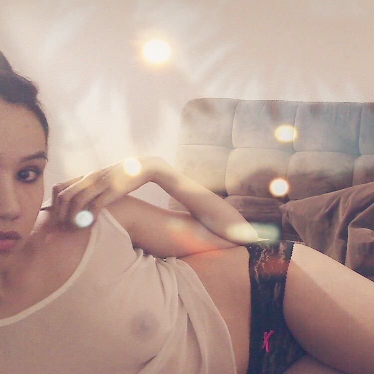 LeTwoTimes is our latest brand new girl- show her some reblog love :)