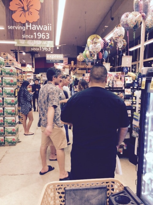 Things that the east coast does better than Hawaii…. Self-check out lines in grocery stores. Sigh. 9 PM at night and I'm about 40 people deep.