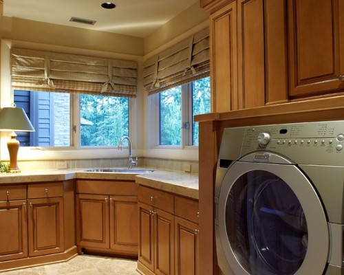 laundryroom by haggart luxury homes…  international housing concepts, Luxury Homes