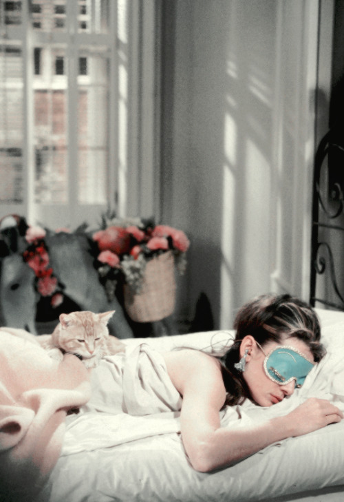 scarlettwitchhhh: vintagegal: Audrey Hepburn in Breakfast at Tiffany's (1961) dir. Blake Edwards  <3