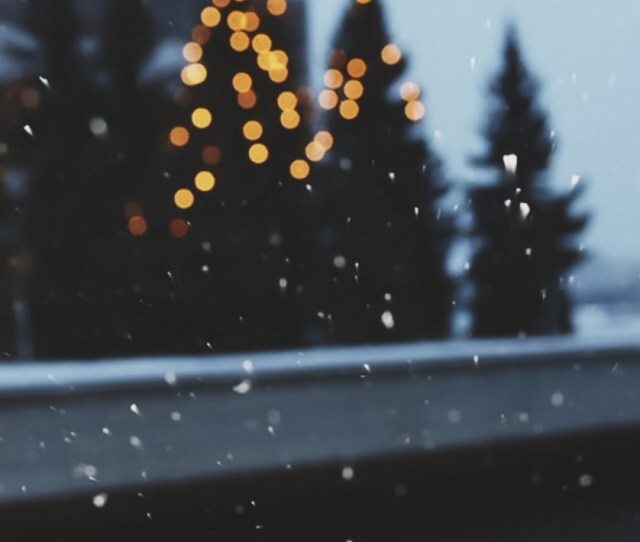 Christmas Snow Winter Lights Tumblr Food Backgrounds Cupcake Christmastree Iphone Backgrounds Christmas Backgrounds Lockscreens Winter Lockscreens Winter
