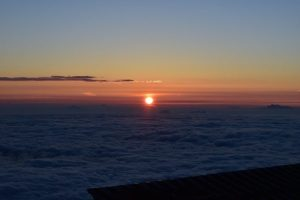 富士山で明け方にみた朝日