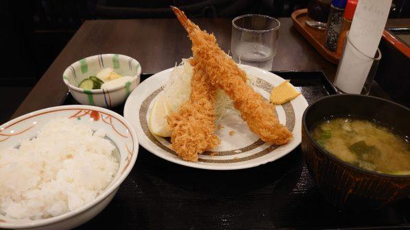 ときわ食堂の自慢の海老フライ