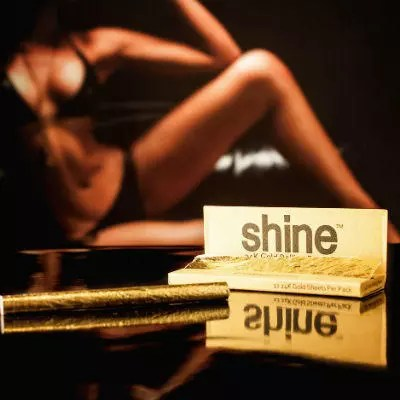 Shine 24K Gold Rolling Papers Review