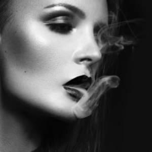 sexy lips smoke