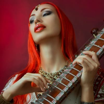 Sexy red head, guitar, Kashmir Kush Strain Review, marijuana, luscious lips