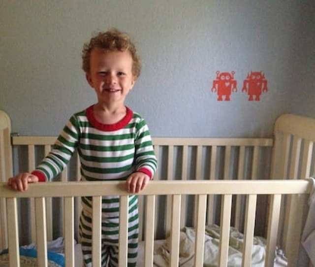 Tips To Ease The Transition Out Of A Crib And Into A Toddler Bed