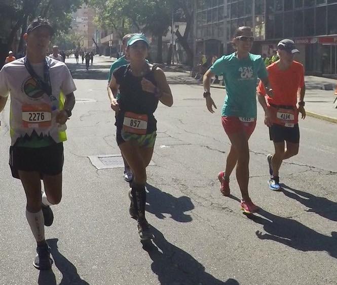 Pocos padres como William García (derecha) tienen la posibilidad de correr un maratón junto con su hija/Foto William García