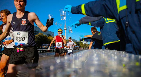 La hidratación es clave en una carrera, sobre todo si se trata de un maratón/Cortesía