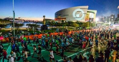 El maratón de Miami parte a las 5.30 a.m. y uno de sus atractivos es precisamente la corrida mientras el sol se va levantando/Cortesía
