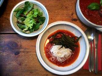 2.4.16 - Meeresspaghetti,Reisnudeln,Tomatensauce.Salat (13)