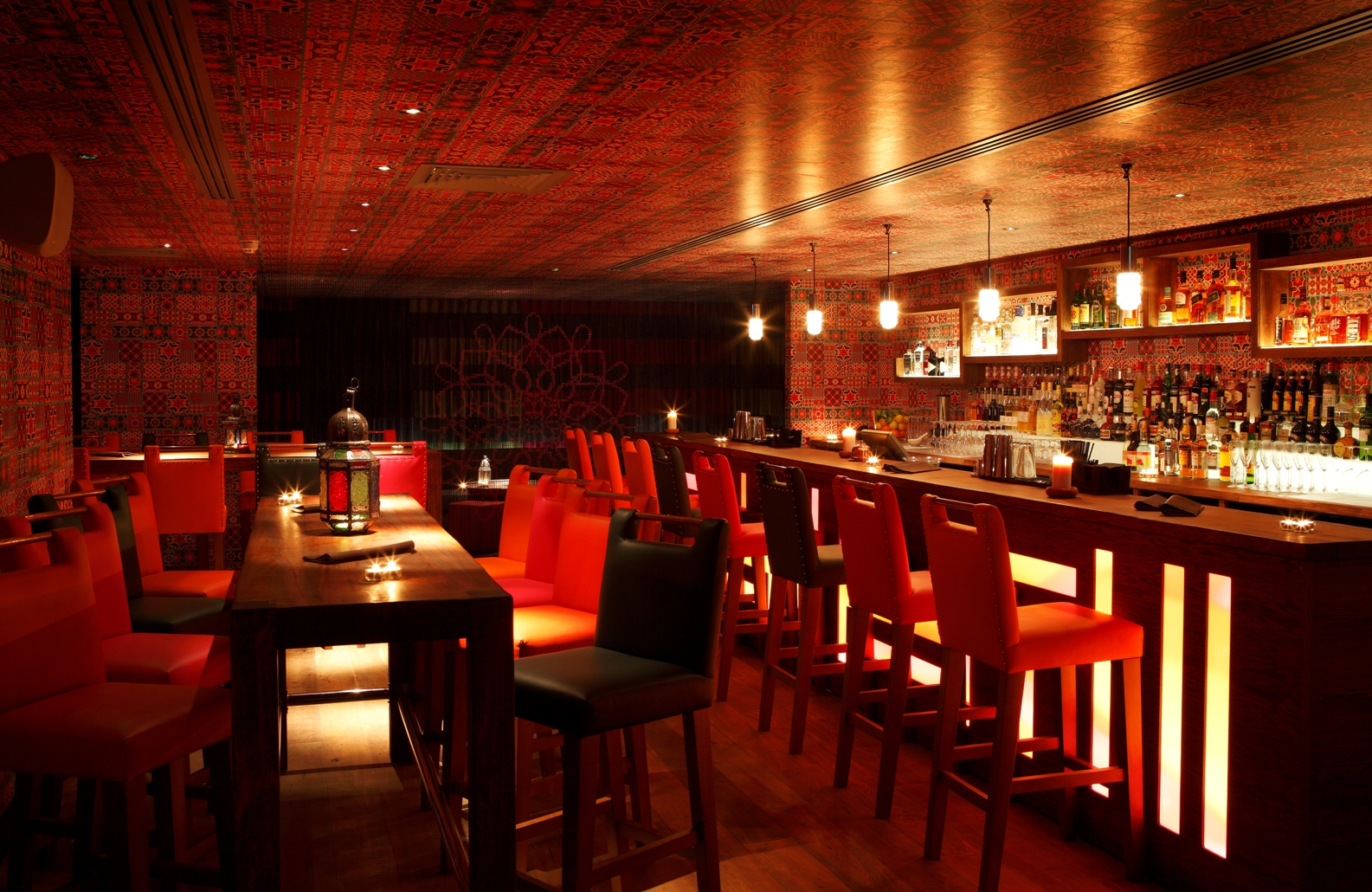 4 Restaurant Customer Loyalty Programs That Make Customers