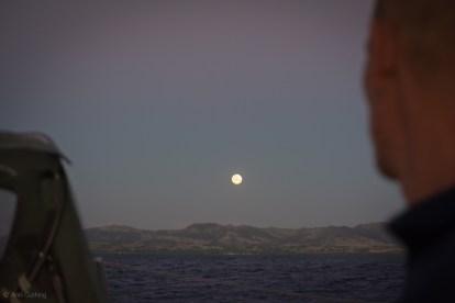 full moon rising in viti levu, sv cavalo