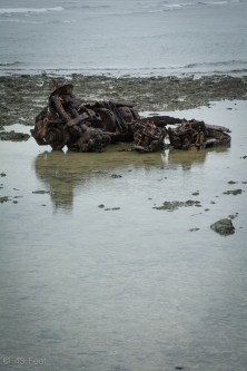 car chassis rusting on reef majuro marshall islands, sv cavalo