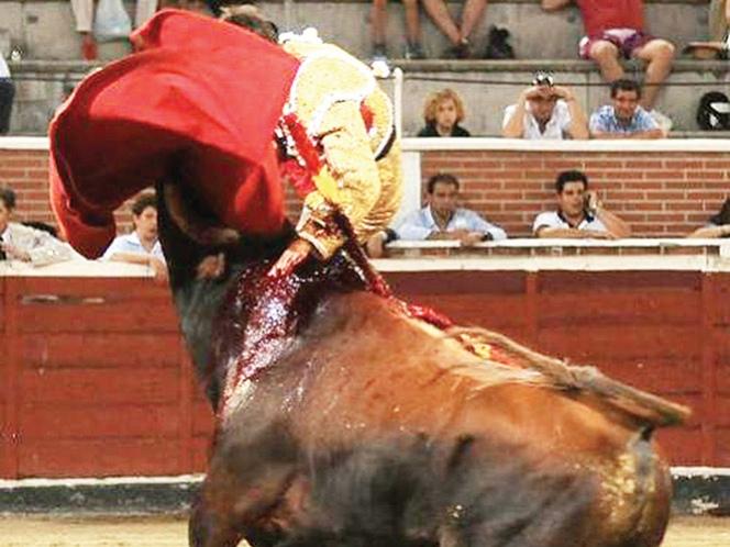 Fermín Espinosa salió cornado de gravedad