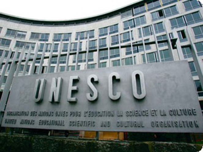 SEP debe evaluar, pero no despedir a maestros: Unesco