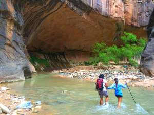 Uly and Xandra in the narrows