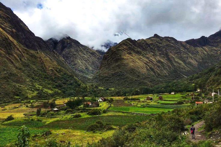 Valley toward Paria on the Santa Cruz Trek
