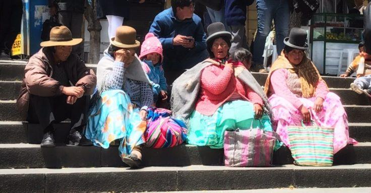 Women in LA Paz, city in the sky