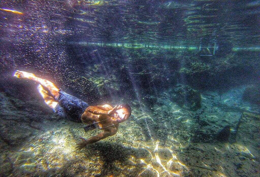 Trin underwater at Katherine Springs
