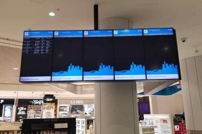 The empty flight board in Sydney