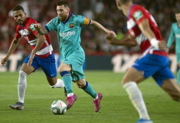 Barcelona decepcionó ante Granada y los hinchas piden la renuncia del DT