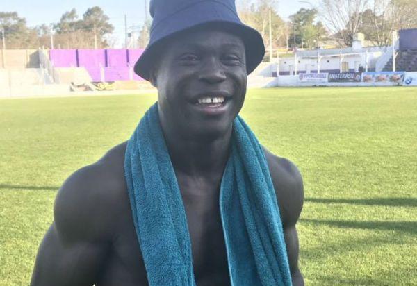 """Sacachispas volvió al triunfo gracias a un gol de su """"Negro del Whatsapp"""""""