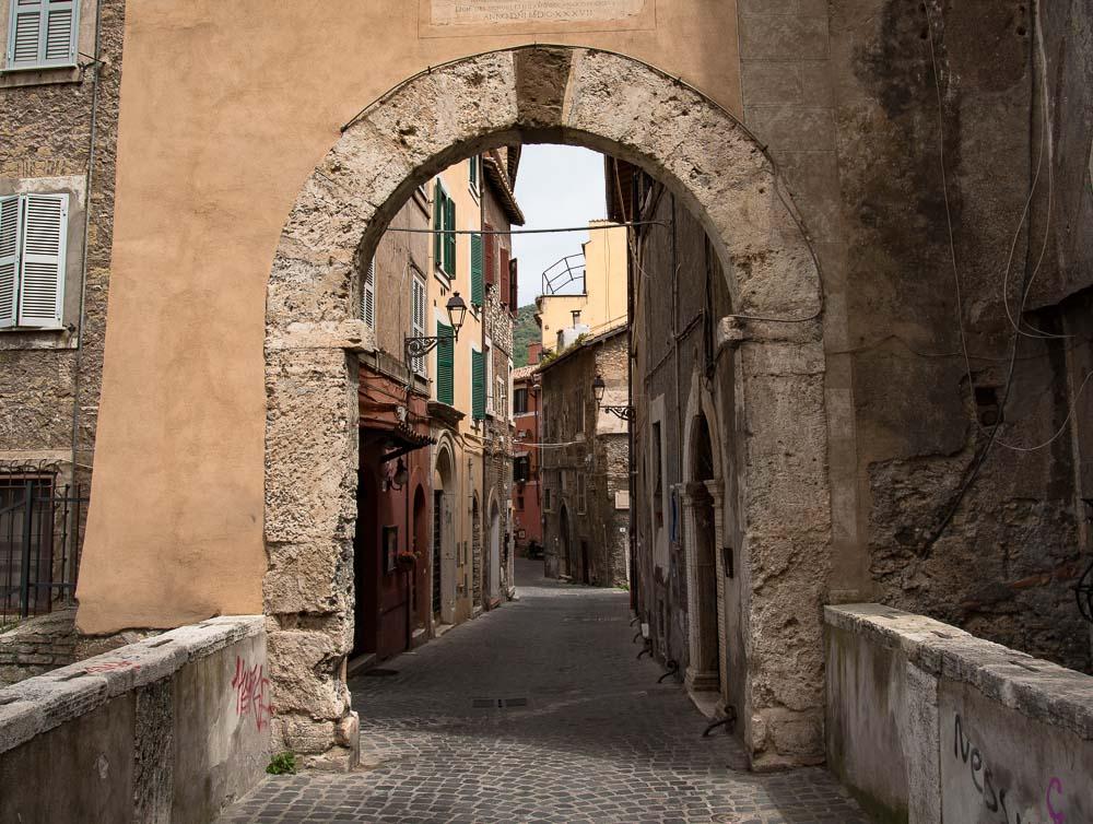 Following the sky Italy Tivoli travel-10