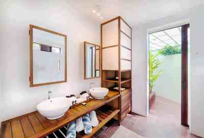inside-bathroom