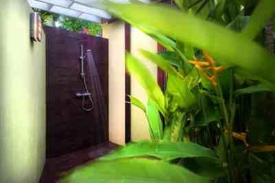 outside-shower1